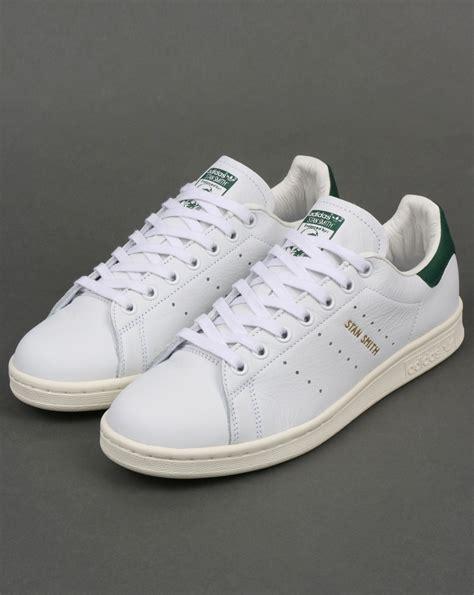 Sepatu Casual Best Seller Adidas Stan Smith the adidas stan smith a tennis legend all time casual classic 80 s casual classics80 s
