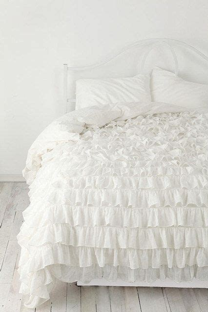 white bed spread white ruffle bedspread set 3pc egyptian cotton by