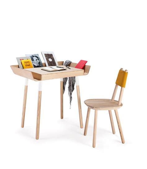 Small Wood Writing Desk 25 Best Ideas About Small Writing Desk On Small Desks Small Bedroom Office And