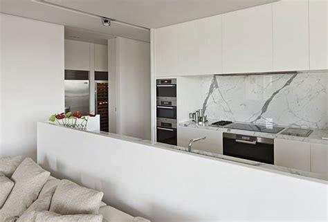 minimalist decorating small spaces minimalist decorating for small space decobizz com