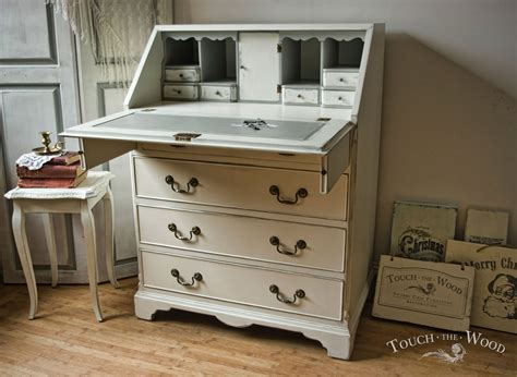 shabby chic bureau 08 02 touch the wood