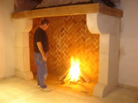 cheminee en brique chemin 233 e en brique a foyer ouvert