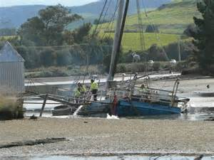 all hands to the pumps to refloat 101 year old scow - Scow Portland Nz