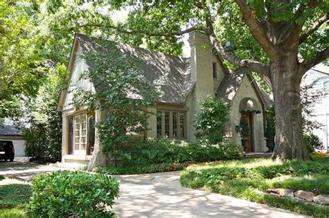 Cottage Dallas by 59 Best Images About Tudor Homes On By The Sea Brick Cottage And