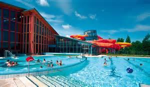 schwimmbad in schwimmbad mit rutschen gartenm 246 bel 2017