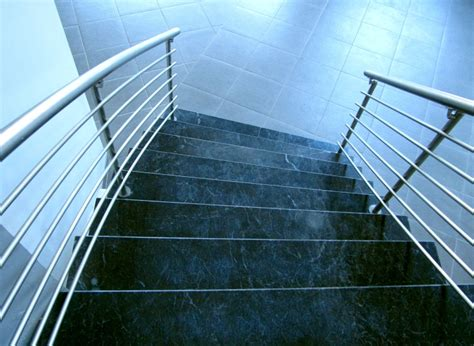Treppen Rutschfest Machen by Mit Granitplatten Eine Treppe Individuell Gestalten