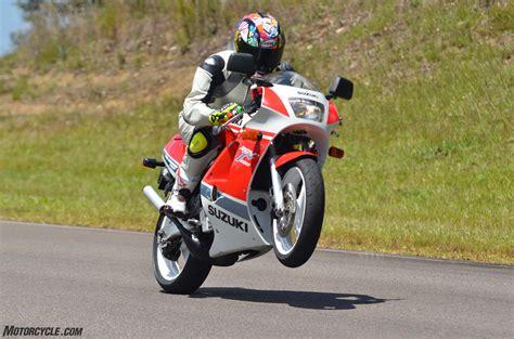 Suzuki Cbr Two Stroke Shootout Honda Nsr250r Vs Suzuki Rgv250