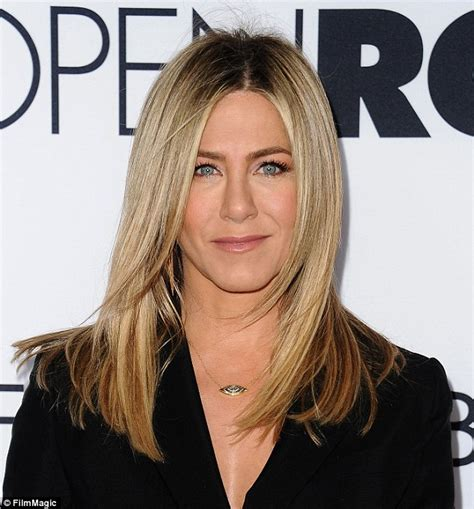 jennifer aniston is she married jennifer aniston denies she s pregnant and is fed up
