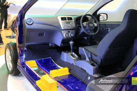 Alarm Mobil Daihatsu Ayla interior dan dashboard daihatsu ayla