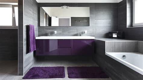 desain kamar ganti desain elegan kamar mandi yang menantang tren rumah dan