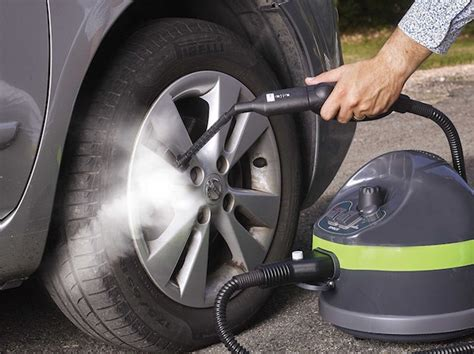 prodotti per pulire interni auto come pulire l interno dell auto la tua auto