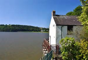 boat house laugharne the boat house laugharne 169 mick lobb cc by sa 2 0