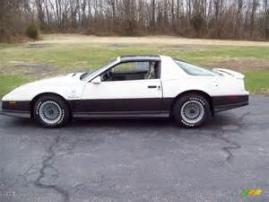 Pontiac Firebird 1983 1983 White Pontiac Firebird Trans Am 25th Anniversary