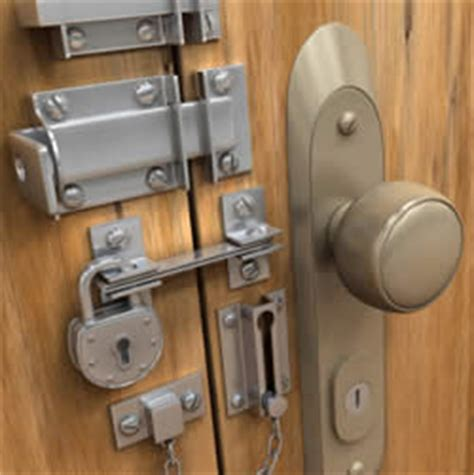 How Much Is A Door Knob With Lock by 10 Steps To Secure Your Home Or Apartment For Showings