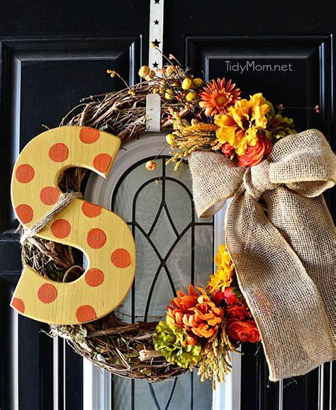 Fall Entryway Decor - diy monogram fall wreath