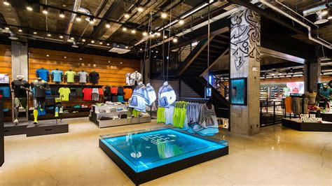 official store nikecom nike news nike gangnam opens in seoul