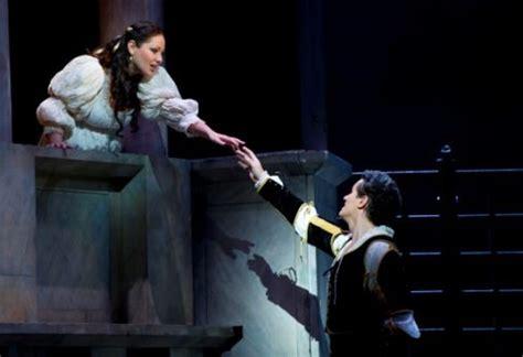 romeo and juliet opera theme romeo et juliette peace love music pinterest