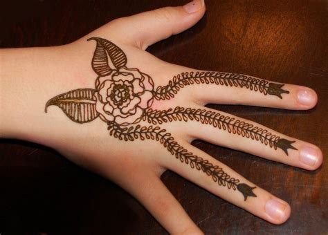 cute hands short henna design sheplanet