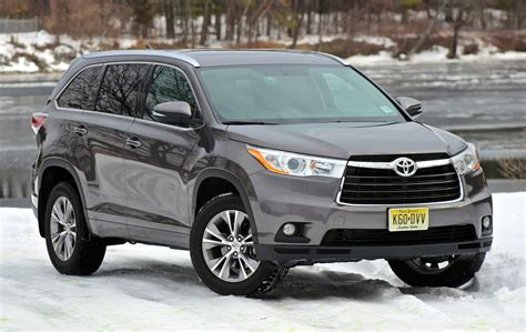toyota awd cars 2014 toyota highlander overview cargurus