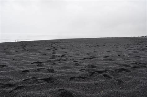 black sand game file black sand beach in v 237 k 237 m 253 rdal iceland jpg