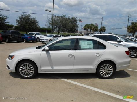 white volkswagen white 2013 volkswagen jetta tdi sedan exterior photo