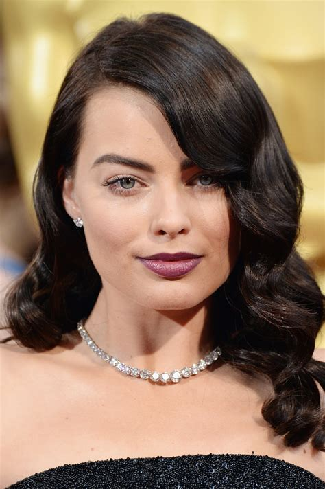 The Oscars Liveblog At Catwalk And Makeup by Margot Robbie All The Jaw Dropping Oscars Jewels You