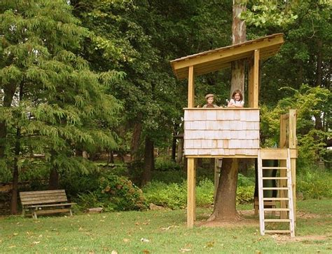 simple tree house 25 best ideas about simple tree house on pinterest kids tree forts easy diy