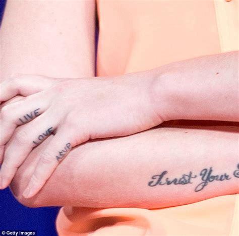 tattoo down finger iggy azalea gets ex boyfriend a ap rocky s name removed