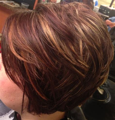 honey brown haie carmel highlights short hair asymmetrical inverted bob caramel highlights short hair