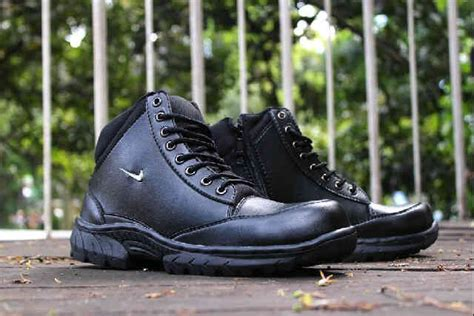 Sepatu Boot Pria Timberland Oxwood Safety Import 1 jual beli sepatu boot pria nike grand safety import