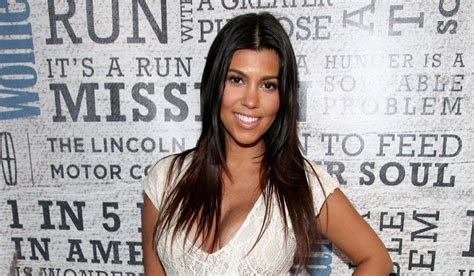 how much is kourtney house worth kourtney net worth boyfriend pregnancy