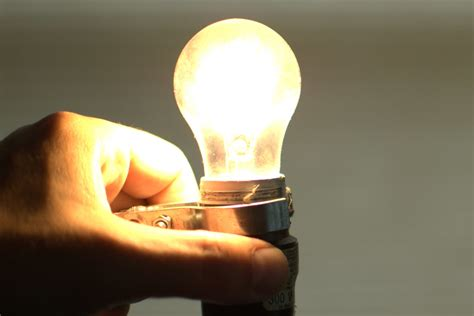 which is the best light bulb that looks like a flame how to choose the best led smart light bulb top 5 things to look for
