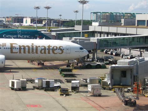 emirates terminal singapore singapore changi intl airport