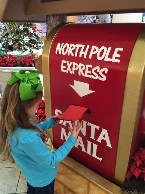 santa workshop cubicles ideas 17 best ideas about santas workshop on land decorations parade floats and