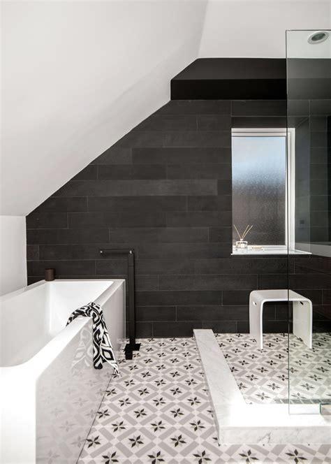 71 cool black and white bathroom design ideas digsdigs 71 cool black and white bathroom design ideas digsdigs