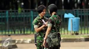 foto foto tentara cantik amankan piala jenderal sudirman di gbk si momot