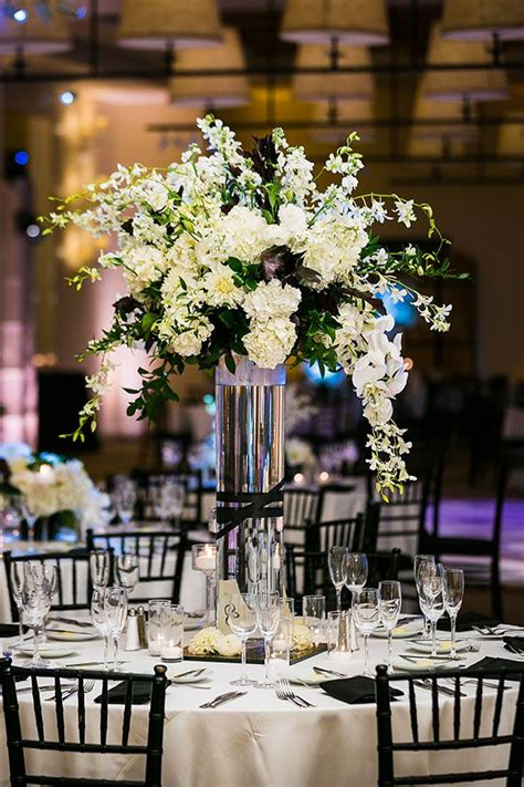 stylish black and white wedding centerpieces table