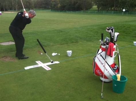 darren clarke golf swing gimmicks gadgets keeping darren clarke focussed golf