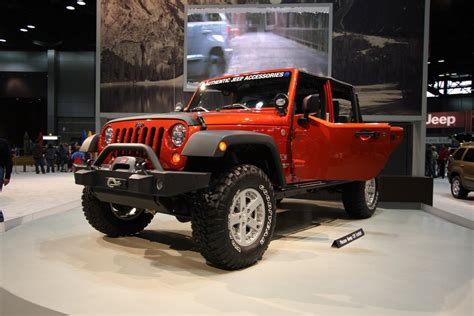 Jeeps Accessories Jeep Wrangler With Mopar Accessories Jeep Enthusiast
