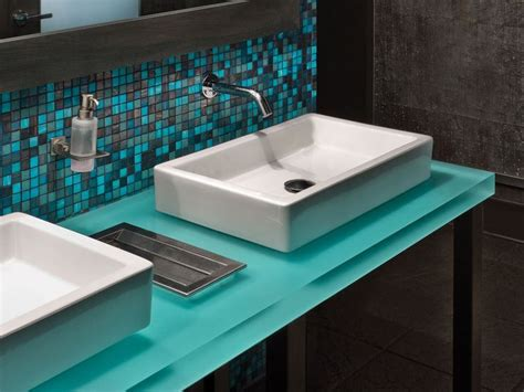 Chroma Countertops by Wit Hotel Chroma 3form Paneles 3form