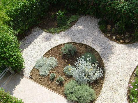 giardini con ghiaia i giardini di carlo e letizia il giardino di giuseppina