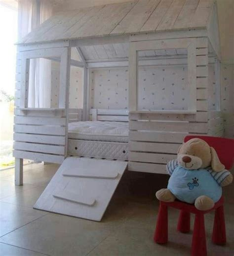 kids pallet bed toddler bed made out of pallets estilo mostly pallets