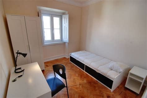 a room nearby spacious single rooms near city centre and cus room for rent lisbon