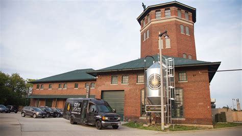 city lights brewing company visit milwaukee milwaukee brewery tours