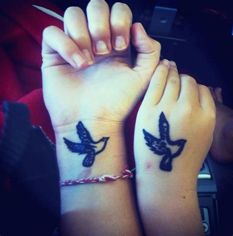 tattoos on hands and wrists birds tattoos on wrist
