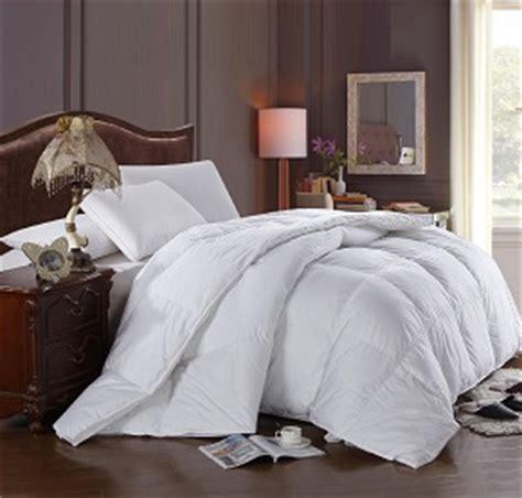 the best down alternative comforter the best down alternative comforter march 2017 toprateten
