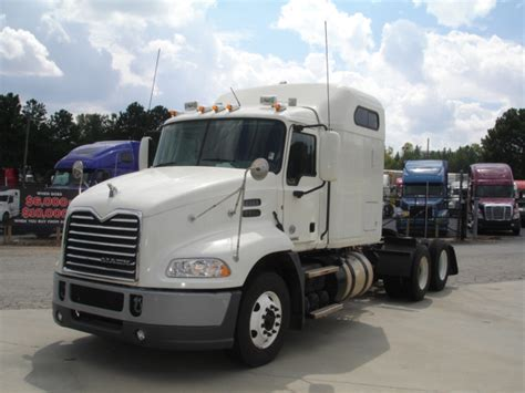 volvo heavy truck dealer truck dealers heavy truck dealers