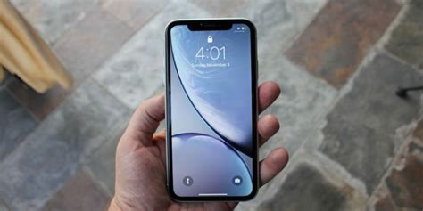 iphone xr review keeping compromises to a minimum ars technica