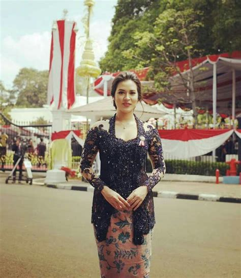 hari kemerdekaan indonesia 508 best inspirasi kebaya vani images on pinterest