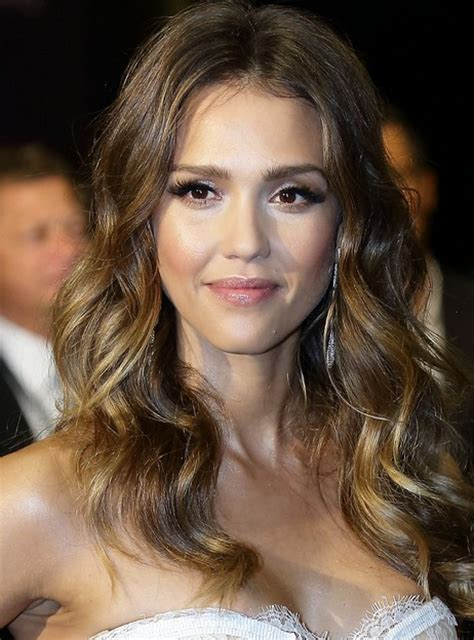 jessica alba hairstyles long wavy hair for center part